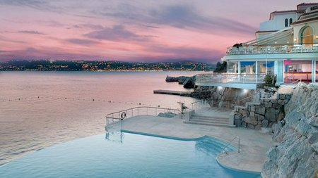 Hotel du Cap-Eden-Roc Launches Champagne Lounge