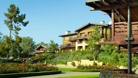 The Lodge at Torrey Pines Offers Valentine's Package