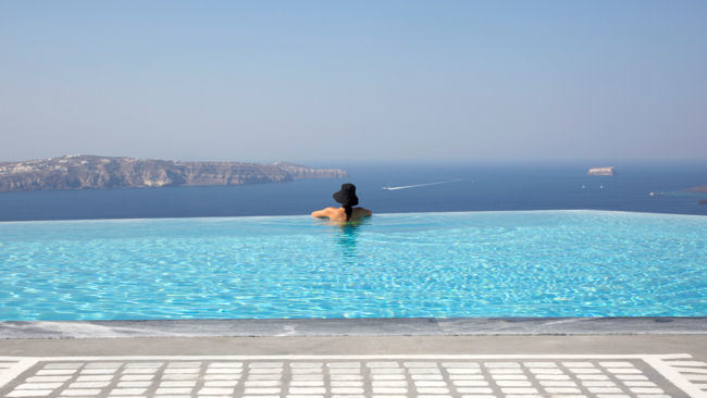 EROSANTORINI Debuts as the Island's Most Exclusive Resort Estate