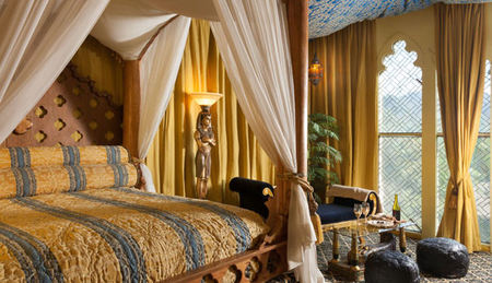 10 Over-the-Top Romantic Suites in California
