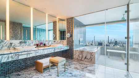 The Latest Luxury Travel Trend: Glass Bathrooms with a View