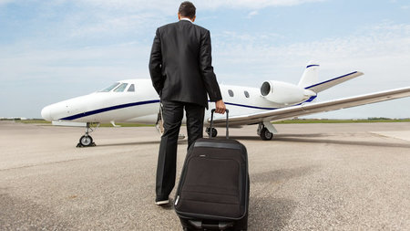 Luxury Travel and How To Carry Your Items In Style