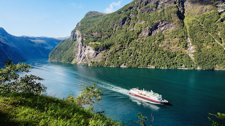 Hurtigruten Returns 14 Ships to Operation