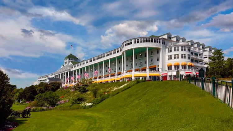 Mackinac Island S Grand Hotel Unveils New Travel Packages