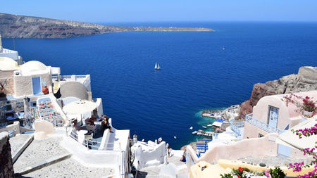 How to Plan a Luxury Honeymoon in Greece