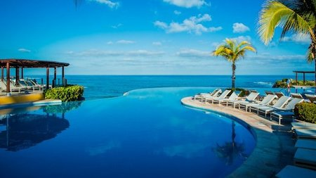 Four Seasons Resort Punta Mita Holiday Offerings