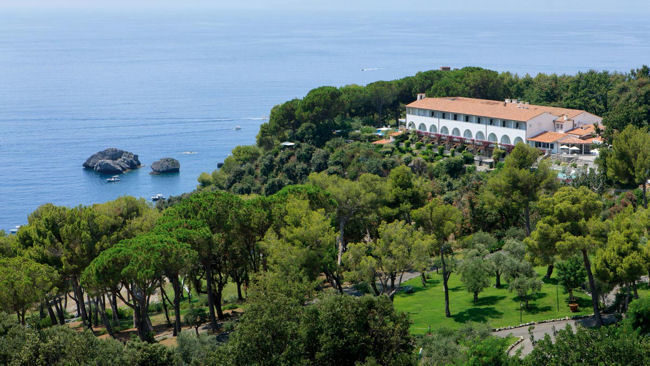 A Dreamy Destination Wedding…or Honeymoon at Southern Italy's Santavenere Hotel
