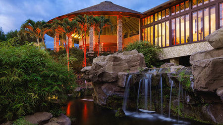 Amore & Aloha – Valentine's Day at the Adults-only Hotel Wailea