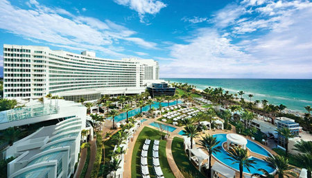 Relax all Summer Long at Fontainebleau Miami Beach