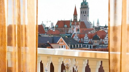 Celebrate Christmas at the Mandarin Oriental, Munich