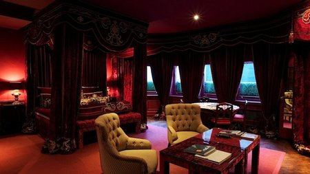 London's No.11 Cadogan Gardens Offers Suite Package