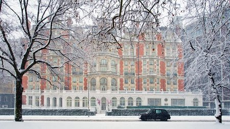 Mandarin Oriental Hyde Park, London Celebrates Festive Season with Harrods