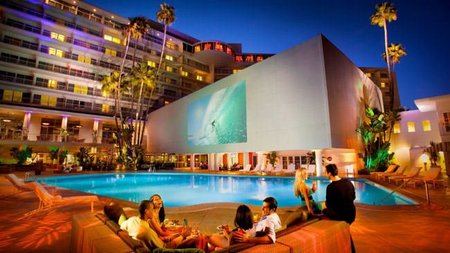The Beverly Hilton Offers Lavish Presidential Holiday Package