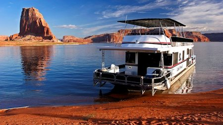 Lake Powell Resorts and Marinas Offers 50% Off Houseboat Rentals, Jan. 1 - June 18