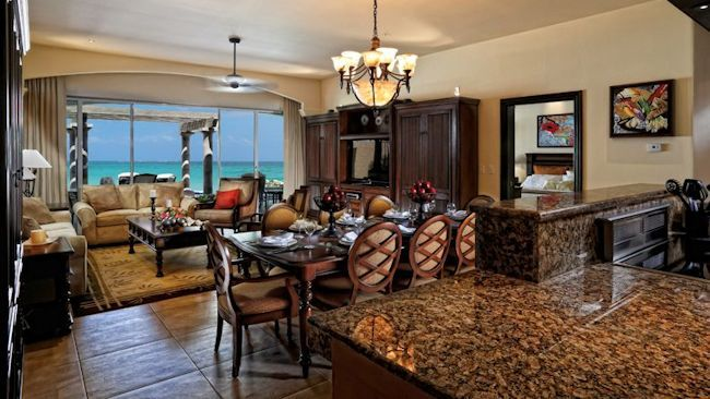 Grand Residences Riviera Cancun Offers Romantic Grand Diamond Infinity Package