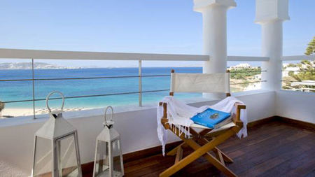 Grace Mykonos Offers One-of-a-kind Experiences