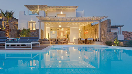 7 Luxurious Places to Stay in Mykonos this Summer