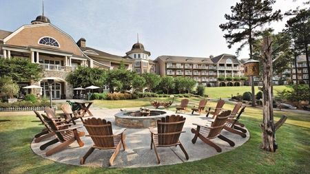The Ritz-Carlton Lodge, Reynolds Plantation Offers Fall Activities