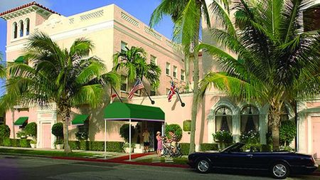 The Chesterfield Palm Beach Offers Family & Pet Friendly Getaway