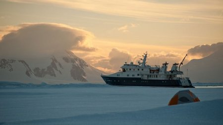 Ultra Luxury Expeditions to Antarctica by Private Jet and Chartered Yacht