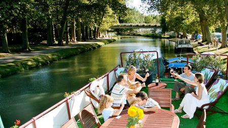 Families Rent Out Hotel Barge Charters with European Waterways