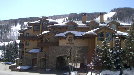 Vail Skiing without the Schlep: Antlers at Vail + Ski Butlers