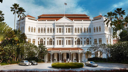 A Taste of Timeless Luxury at Raffles Singapore