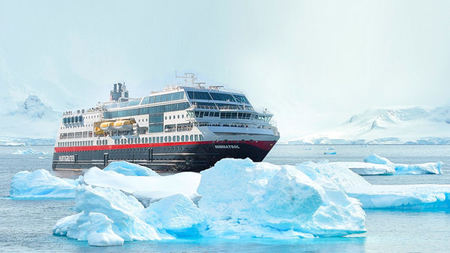Hurtigruten Honored as Best Expedition Cruise Line at 2017 Travvy Awards