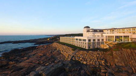 Get Away to the Cliff House Maine this Spring
