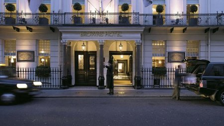 Globe-Trotter Christmas at London's Brown's Hotel