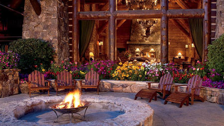 The Ritz-Carlton, Bachelor Gulch Presents the Most Photo-Worthy Proposal Settings