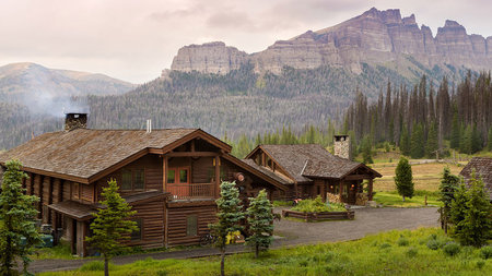 Fall into Wyoming Arts and Nature with Brooks Lake Lodge