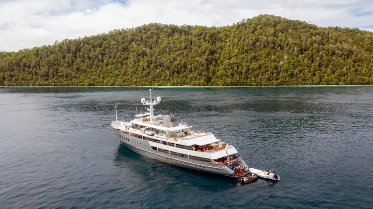 Reunite with Loved Ones on an Aqua Expeditions' Private Charter