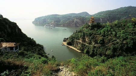 Experience Imperial China, Tibet & Yangtze River with 22-Day Tour