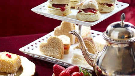 Afternoon Tea Fit for a Queen to Celebrate 150 Years of Alice in Wonderland