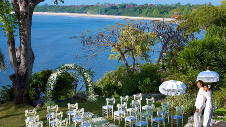 Wedding Dreams Come True in Bali at Four Seasons Jimbaran Bay