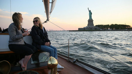 NYC's Mark Hotel Sailboat Makes Inaugural Voyage Around Manhattan