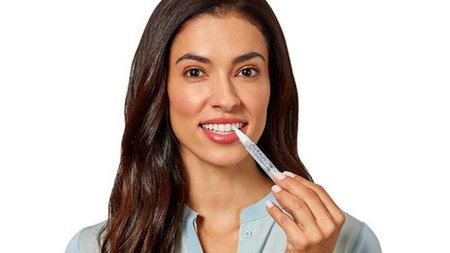 Auraglow On-The-Go Teeth Whitening Pen Perfect for Traveling