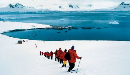Join Geoffrey Kent on a Once-in-a-Lifetime Voyage to Antarctica
