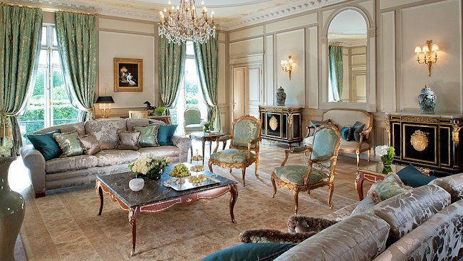 Dorchester Collection Unveils Newly Refurbished Hotel Suites