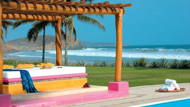 Las Alamandas' Valentine's Package Special Offer