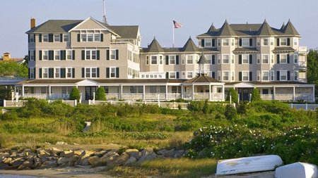 New Pet-Friendly Travel Packages at Cape Cod and Island Hotels