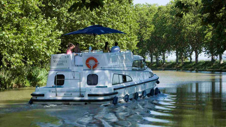 Last-Minute Specials on Self-Drive Boats in Europe