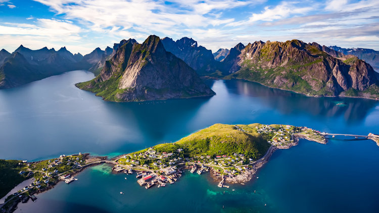 Norway Yacht Charter: Fjords for a Refreshing Summer Destination
