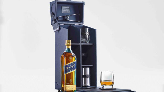 Just in Time for the Holidays: TUMI Johnnie Walker Tasting Case