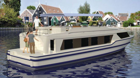 Le Boat's Horizon Perfect for Couples and Families