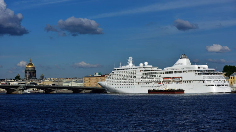 Silversea Guests Embark on the First-Ever 7 Continent World Cruise