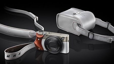 Hasselblad Launches 3 New 'Stellar Special Edition' Compact Cameras