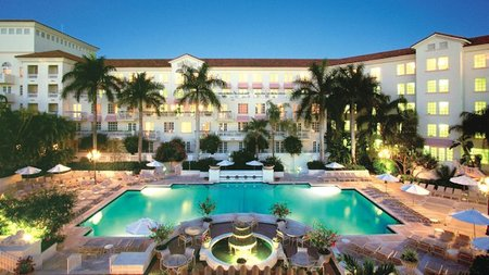 Turnberry Isle Miami Invites Travelers for Holidays in the Tropics