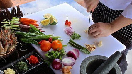Fiji's Laucala Island Offers Customized Organic Cooking Classes